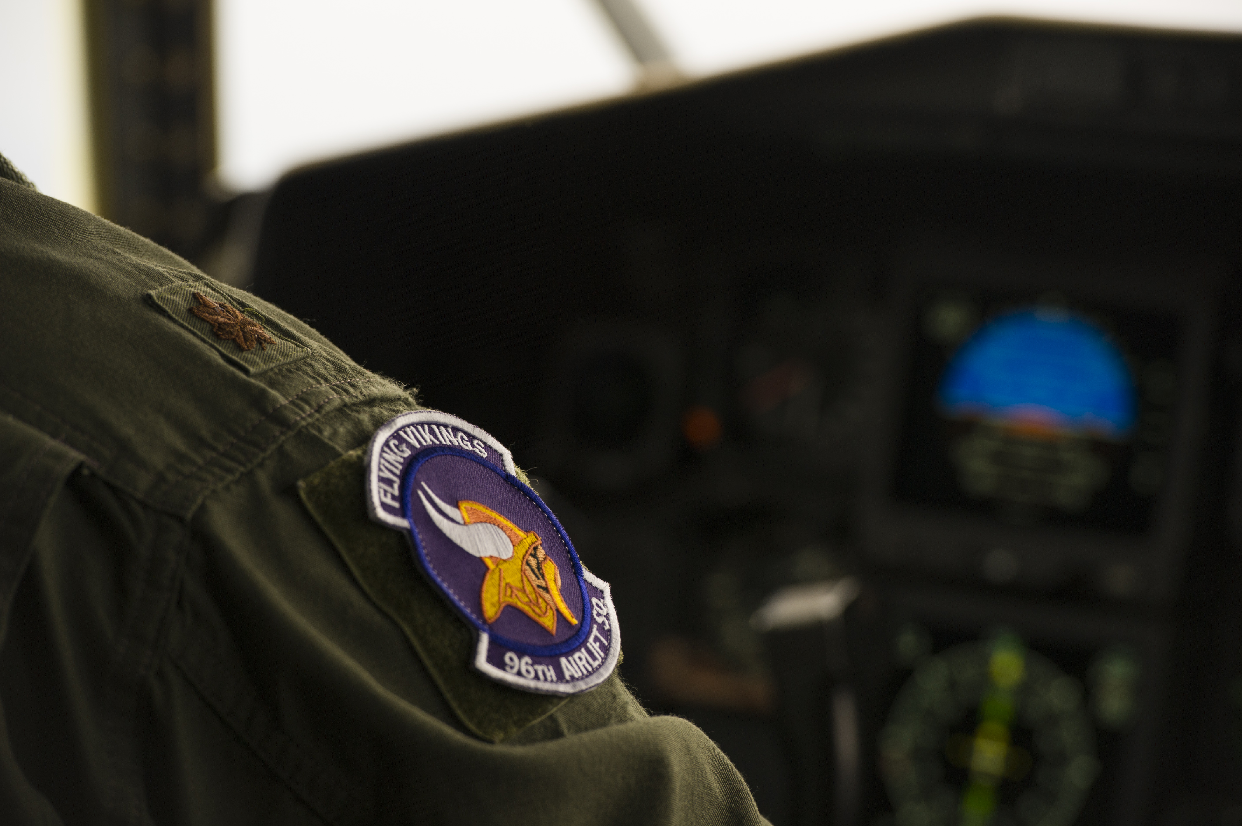 Global Vikings honor Minnesota healthcare workers with flyover